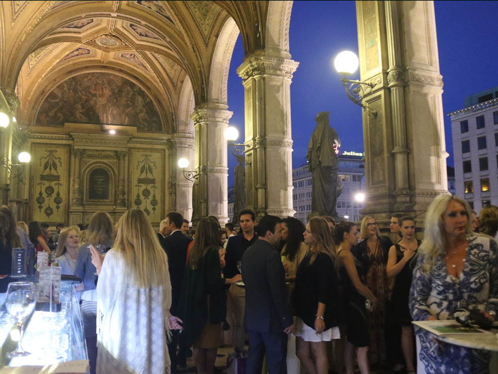 colourclub-fashionblog-onlinemagazine-netzwerke-fashion-entree-after-party-wien-staatsoper
