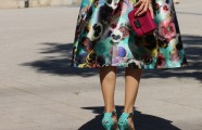 Outfit: farbenfroh zur Hochzeit