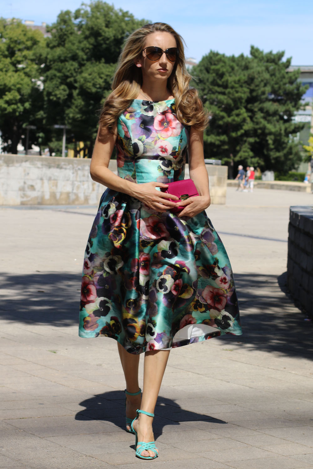 colourclub-outfit-flowerdress-diesel-shoes-furla-bag7