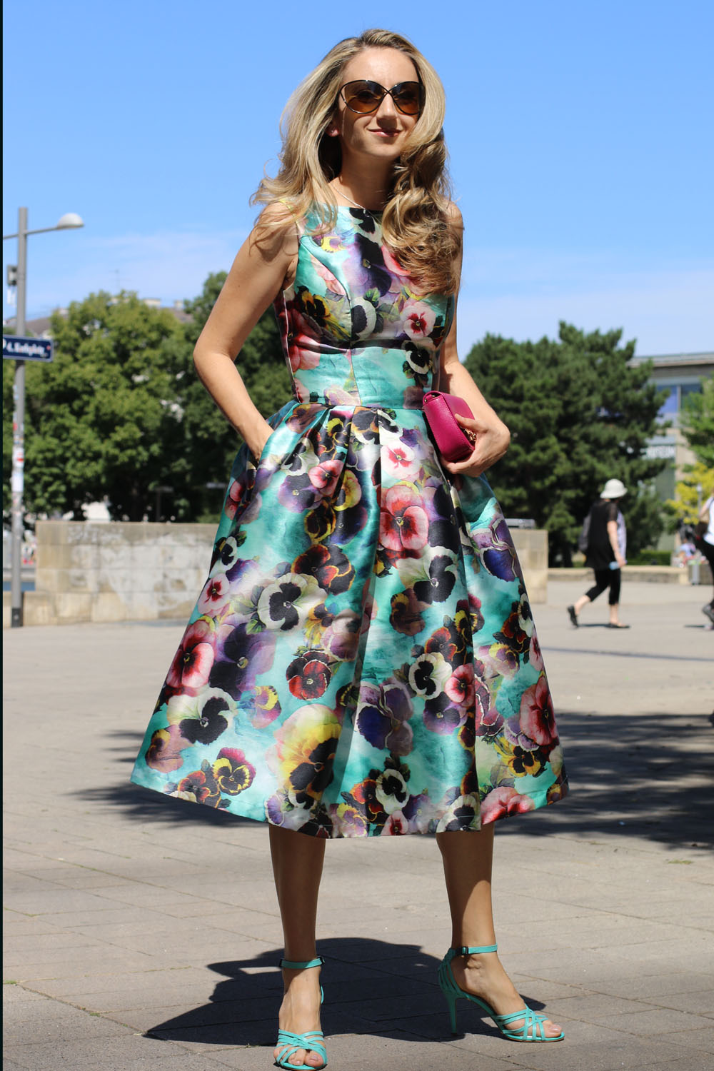 colourclub-outfit-flowerdress-diesel-shoes-furla-bag8