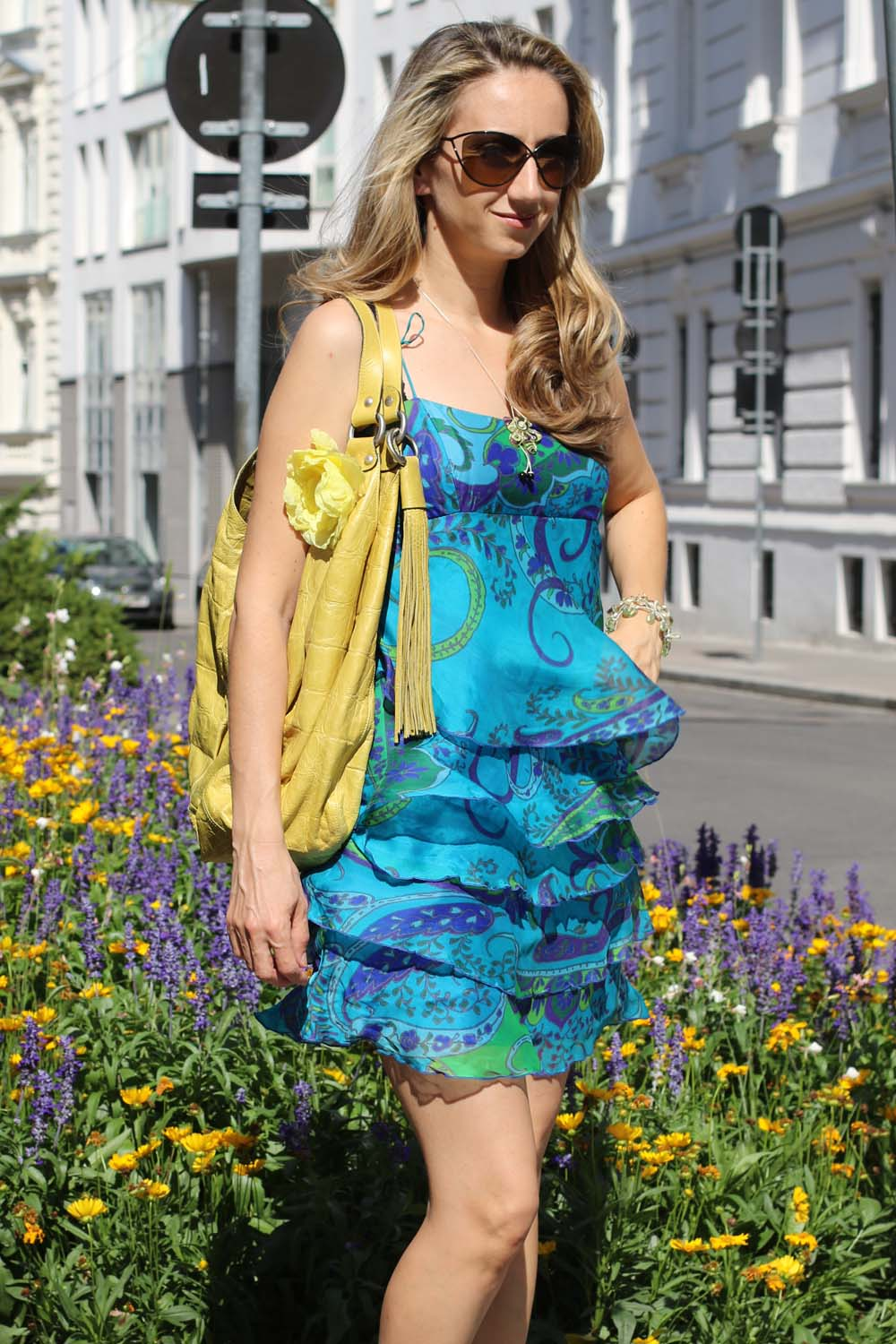 colourclub-outfit-volant-dress2