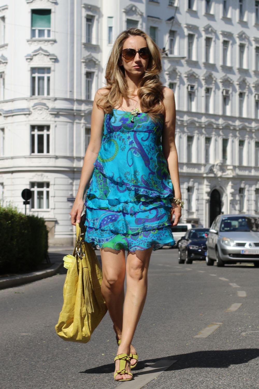 colourclub-outfit-volant-dress3