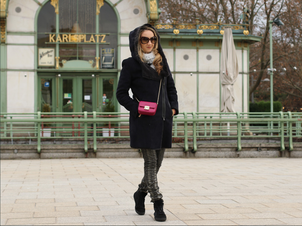 colourclub-black-coat-furla-metropolis-bag3