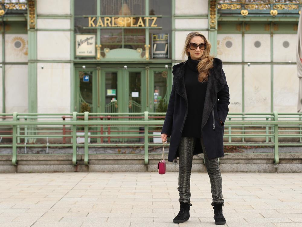 colourclub-black-coat-furla-metropolis-bag4