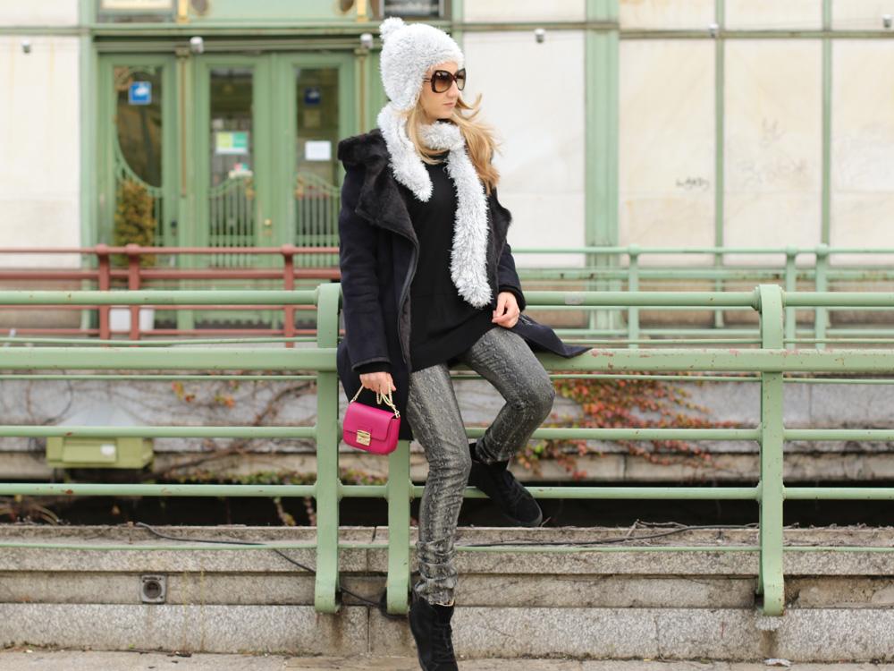 colourclub-black-coat-furla-metropolis-bag8