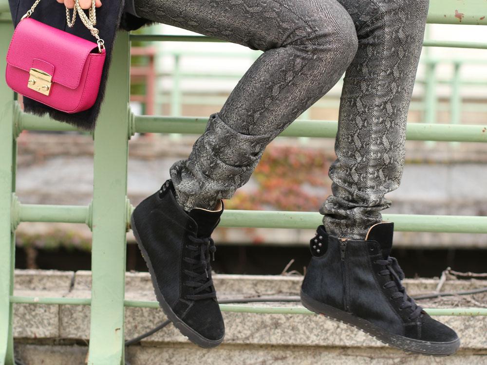 colourclub-black-coat-furla-metropolis-bag9