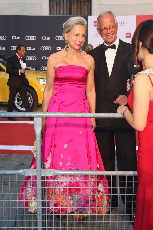 colourclub-fashionblog-fete-imperiale-2016-evening-gown-abendkleid-ballkleid-publikum-werner-fasslabend-martina-fasslabend