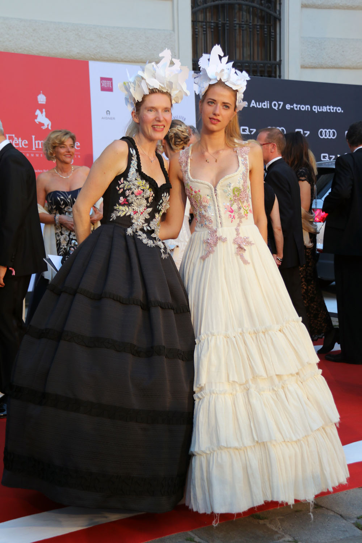 colourclub-fashionblog-fete-imperiale-2016-promis-red-carpet-evening-dress-ballkleider