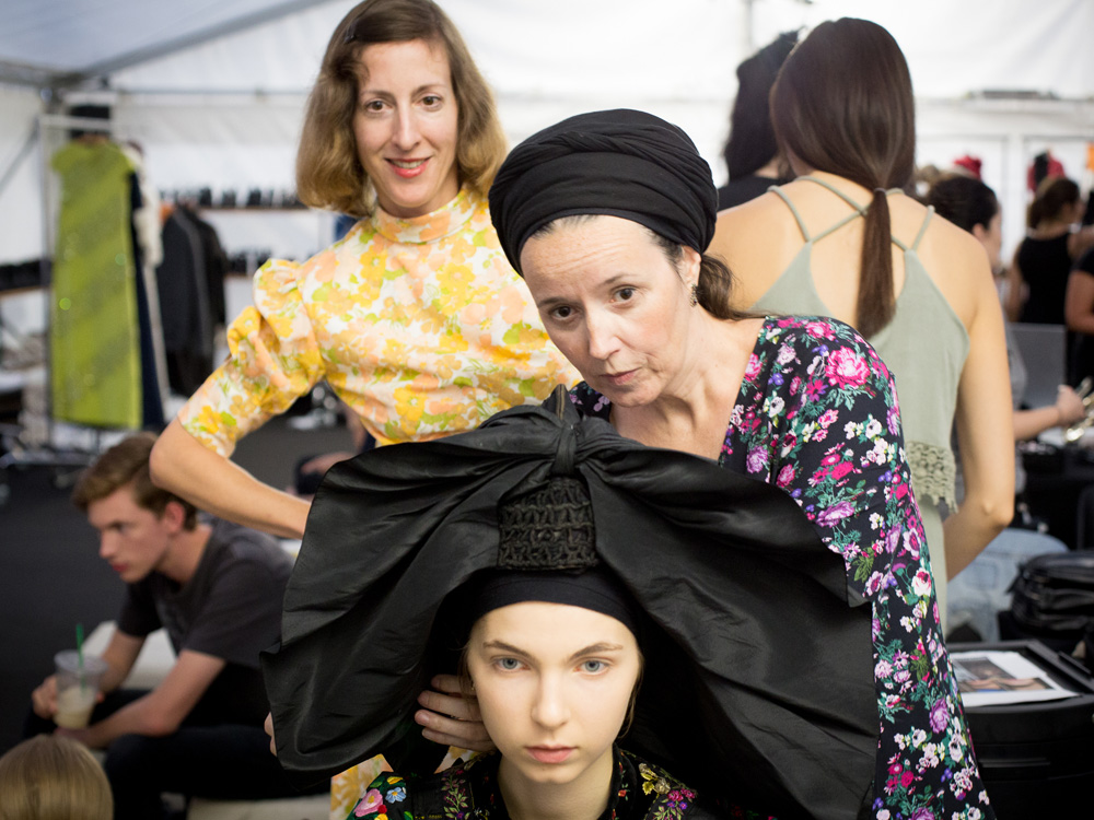 colourclub-fashion-blog-vienna-fashion-week-mqvfw-2016-opening-backstage-claire-sibille