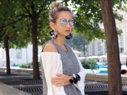 colourclub-fashion-blog-museumsquartier-valentino-pumps-furla-bag-off-shoulder-top-outfit-skinny-jeans-lagenlook-marc-jacobs-sonnenbrille-ornaments-and-lor-jewelery-thai-jewelery7
