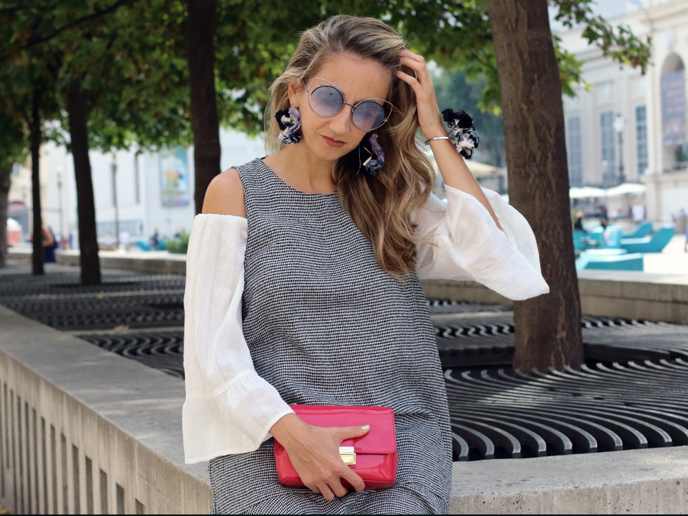 colourclub-fashion-blog-vienna-valentino-pumps-furla-bag-off-shoulder-top-outfit-skinny-jeans-lagenlook-marc-jacobs-sonnenbrille-ornaments-and-lor-jewelery