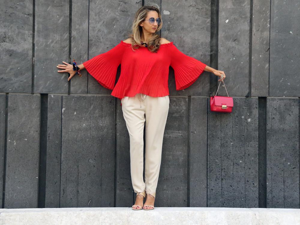 Schmuck fürs Herz – Outfit – Furla Bag, Gucci Shoes, Off the Shoulder Top
