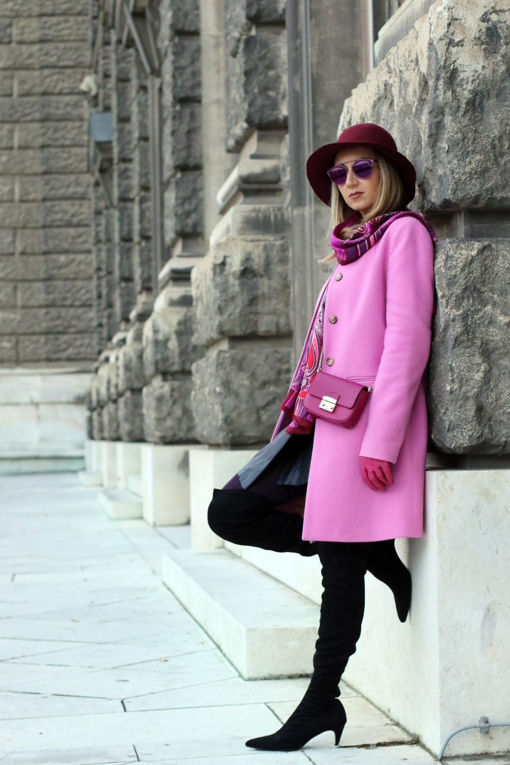 colourclub-outfit-pink-coat-over-the-knee-boots-furla-bag-dior-so-real-sunnglasses3