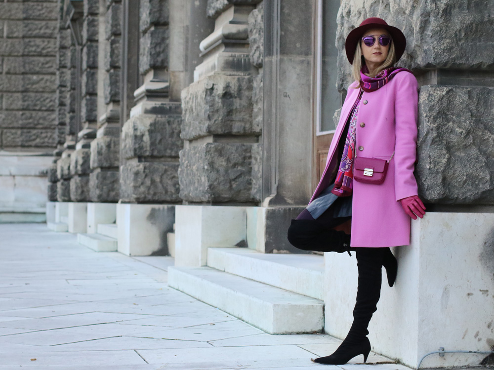 colourclub-outfit-pink-coat-over-the-knee-boots-furla-bag-dior-so-real-sunnglasses4