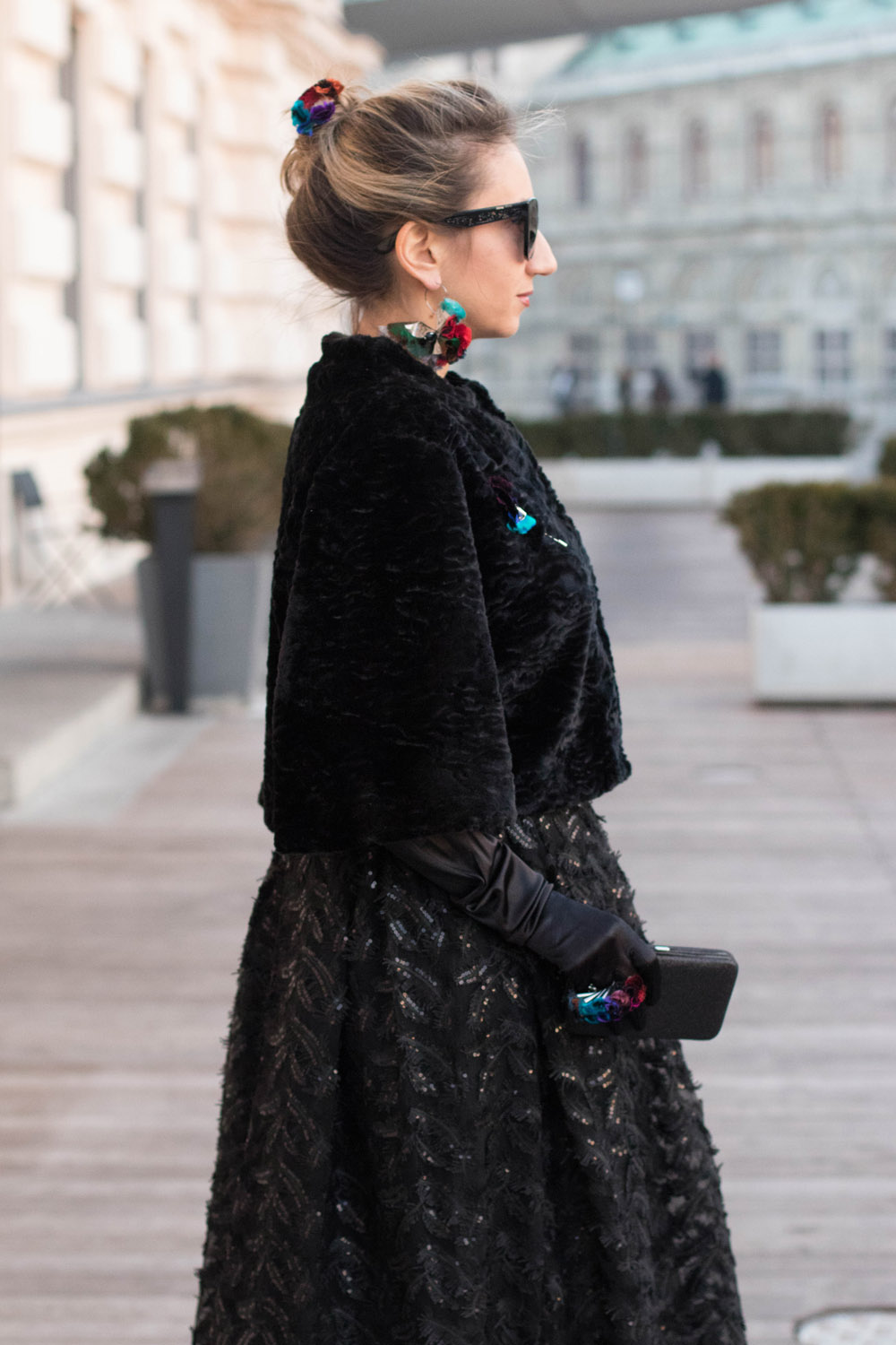 colourclub-fashionblog-outfit-ballkleid-neckholder-dress-ballgiude-miu-miu-sunglasses-vienna-opera2