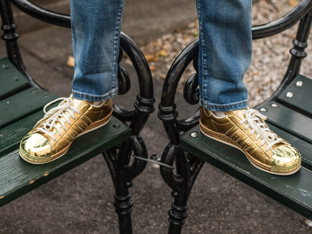 colourclub-fashionblog-outfit-adidas-superstars-gold-sneakers-originals