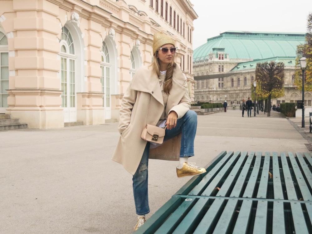 colourclub-outfit-adidas-superstars-sneakers-furla-bag-gold-beanie-vienna-jeans-fendi-sunglasses-albertina-vienna2