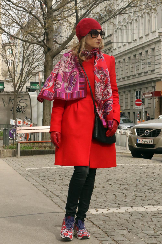 colourclub-red-coat-look-nike-flower-sneakers-london
