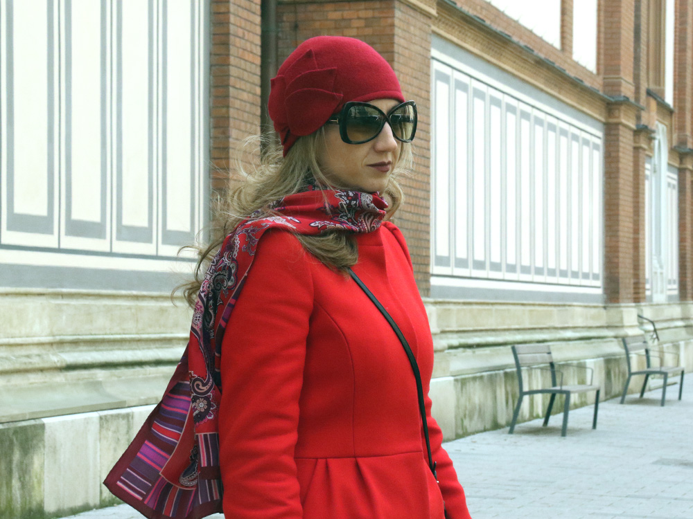 colourclub-red-coat-look-tom-ford-sunglasses