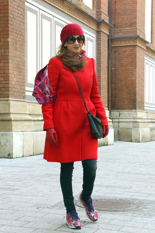 colourclub-red-coat-nike-london-flower-sneakers3