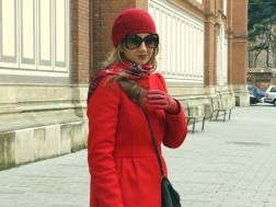 colourcluc-outfit-red-coat-tom-ford-sunglasses
