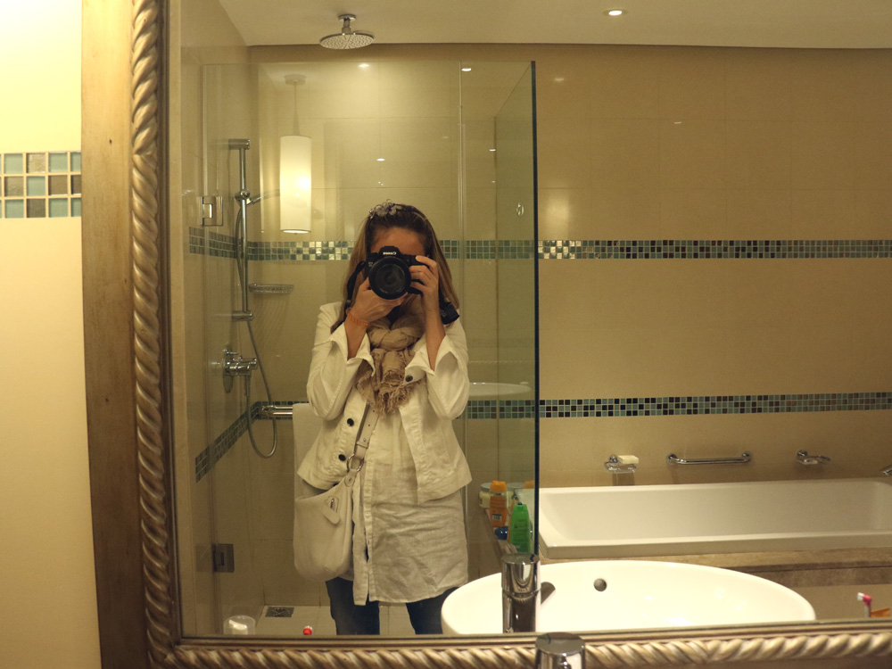 colourclub-fairmont-the-palm-dubai-hotel-review-bathroom2