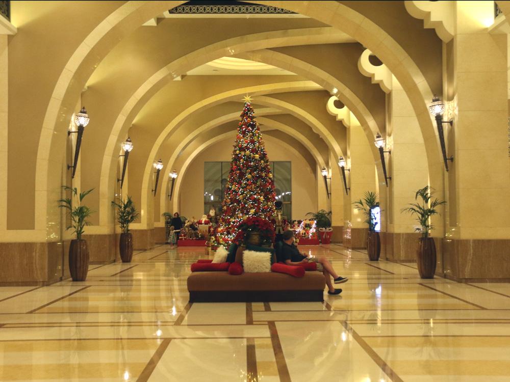 colourclub-fairmont-the-palm-dubai-hotel-review-lobby