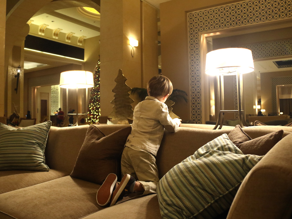 colourclub-fairmont-the-palm-dubai-review-lobby