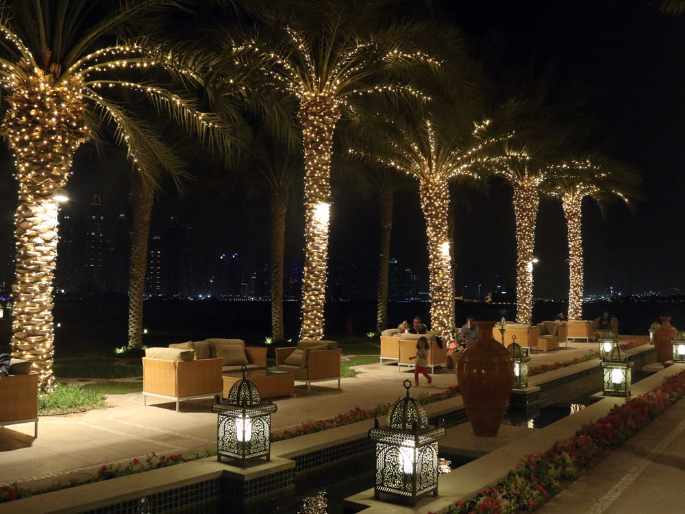 colourclub-fairmont-the-the-palm-dubai-hotel-review-bar