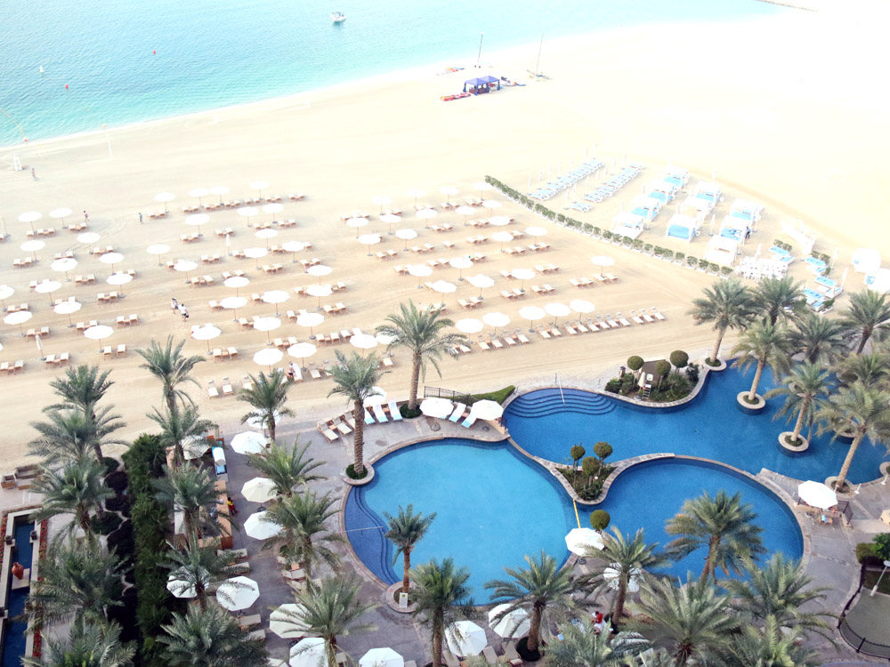 colourclub-fairmont-the-the-palm-dubai-hotel-review-private-beach-pool