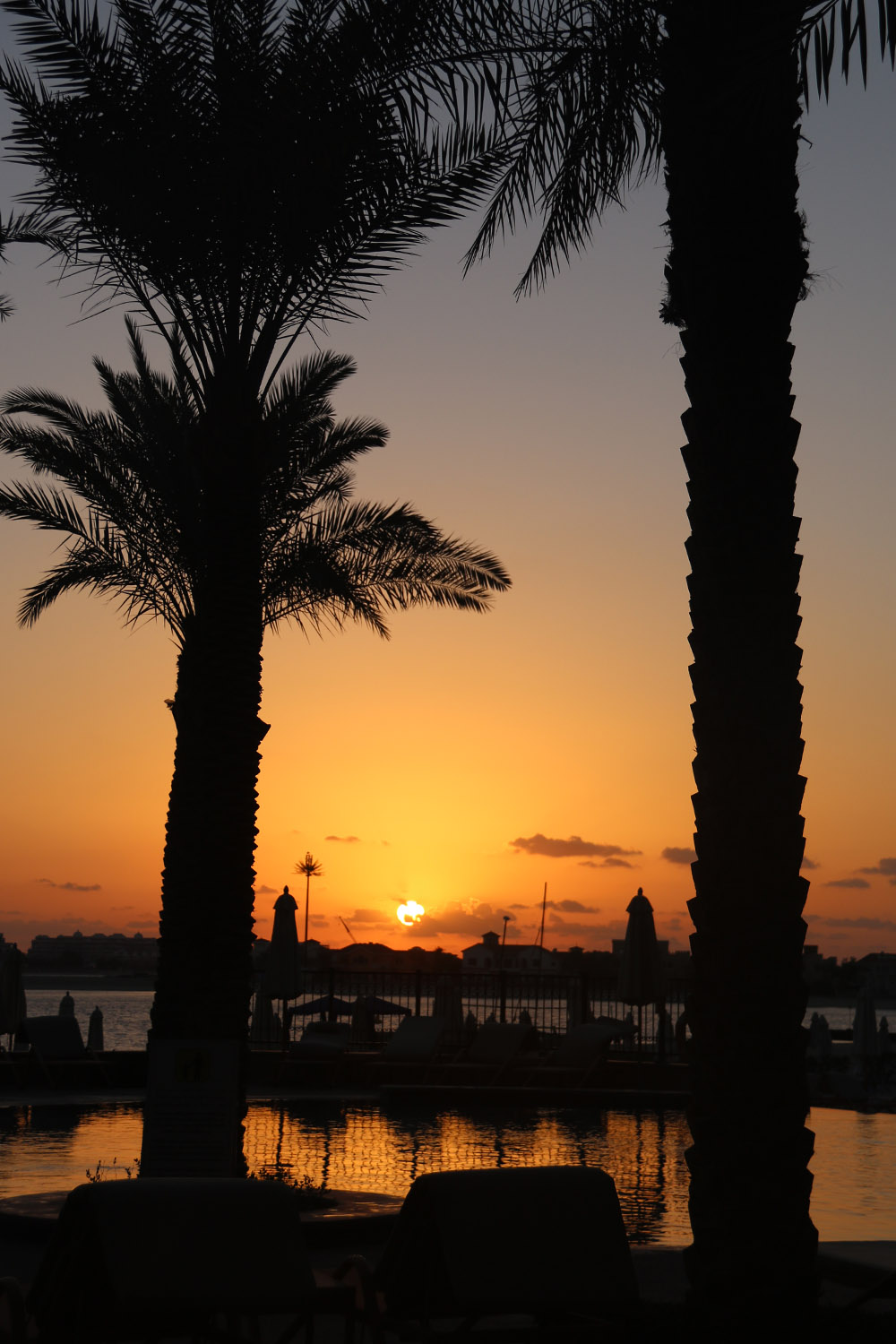 colourclub-fairmont-the-the-palm-dubai-hotel-review-private-beach-sunset