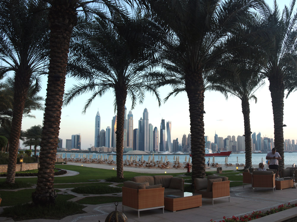 colourclub-fairmont-the-the-palm-dubai-hotel-review-private-beach3
