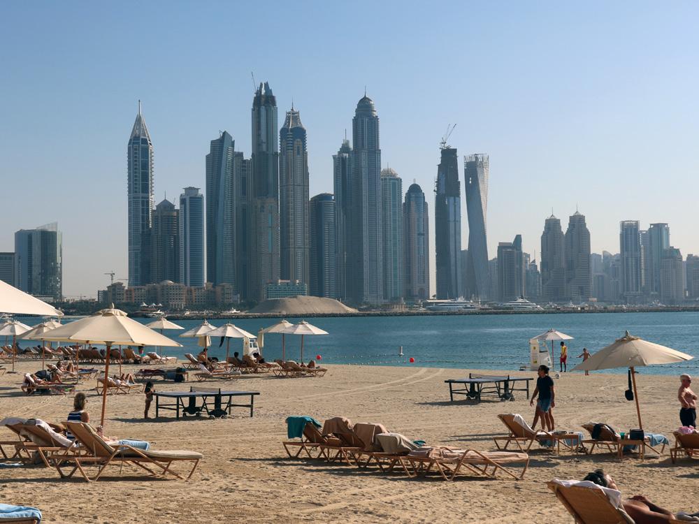 colourclub-fairmont-the-the-palm-dubai-hotel-review-private-beach7