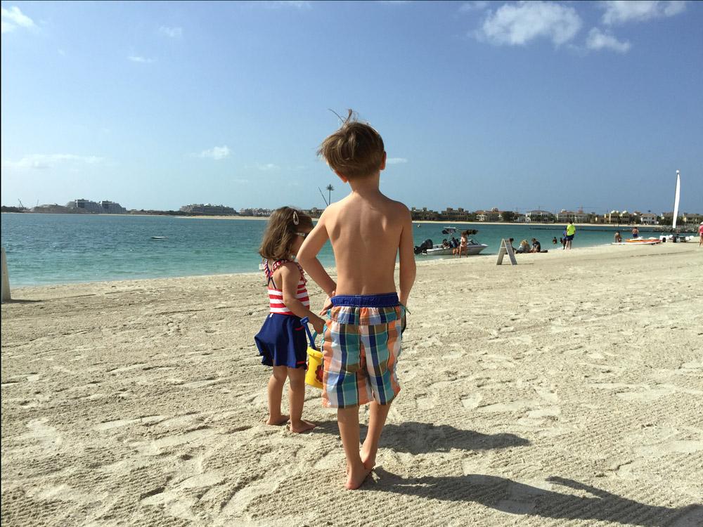 colourclub-fairmont-the-the-palm-dubai-hotel-review-private-beach9