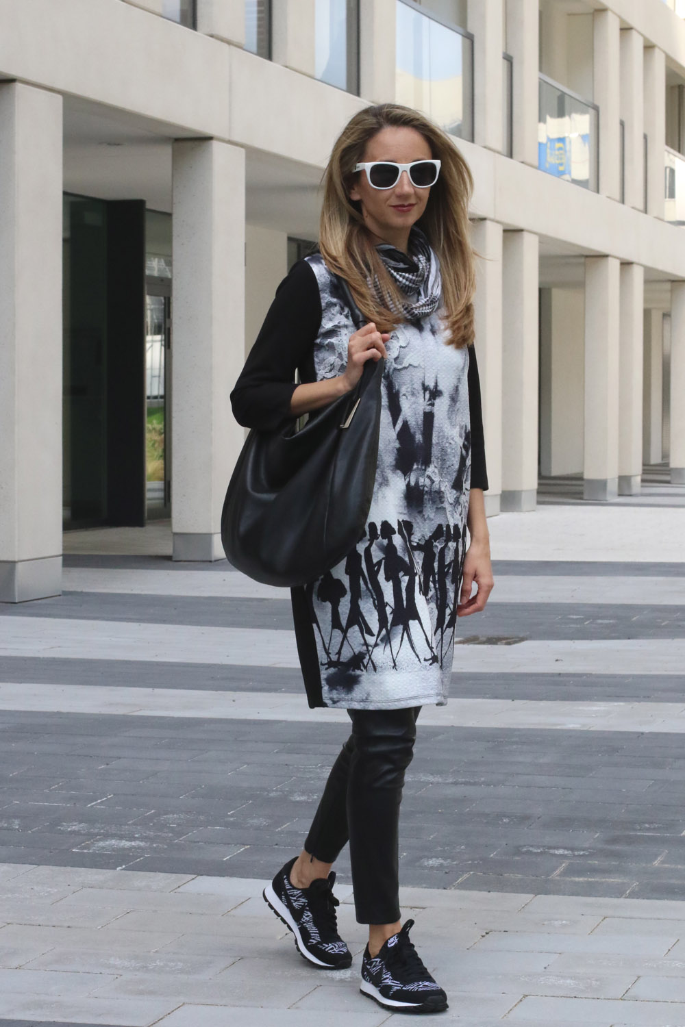 ColurClub, fashionblog, outfit dress over pants black and white