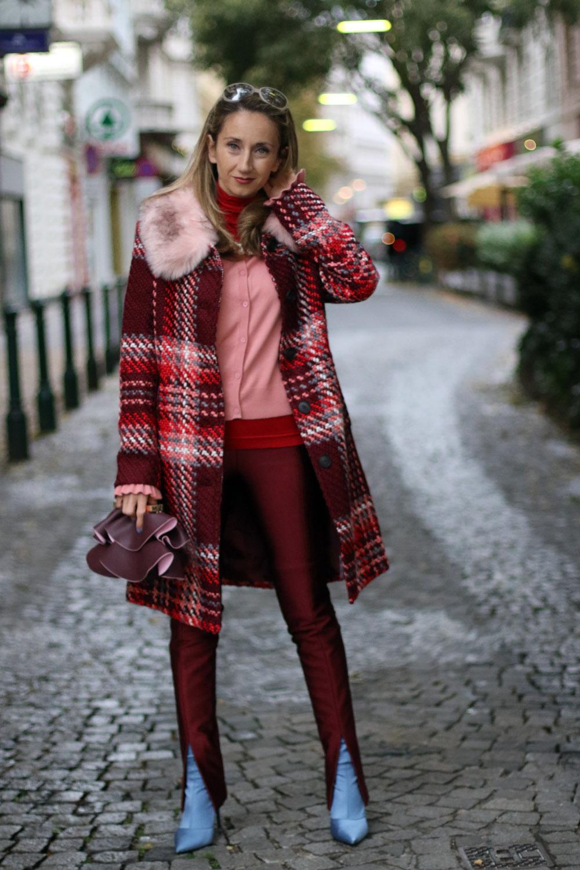 colourclub-fashionblog-outfit-went-mantel-zara-tasche-mango-stiefel-zara-weste