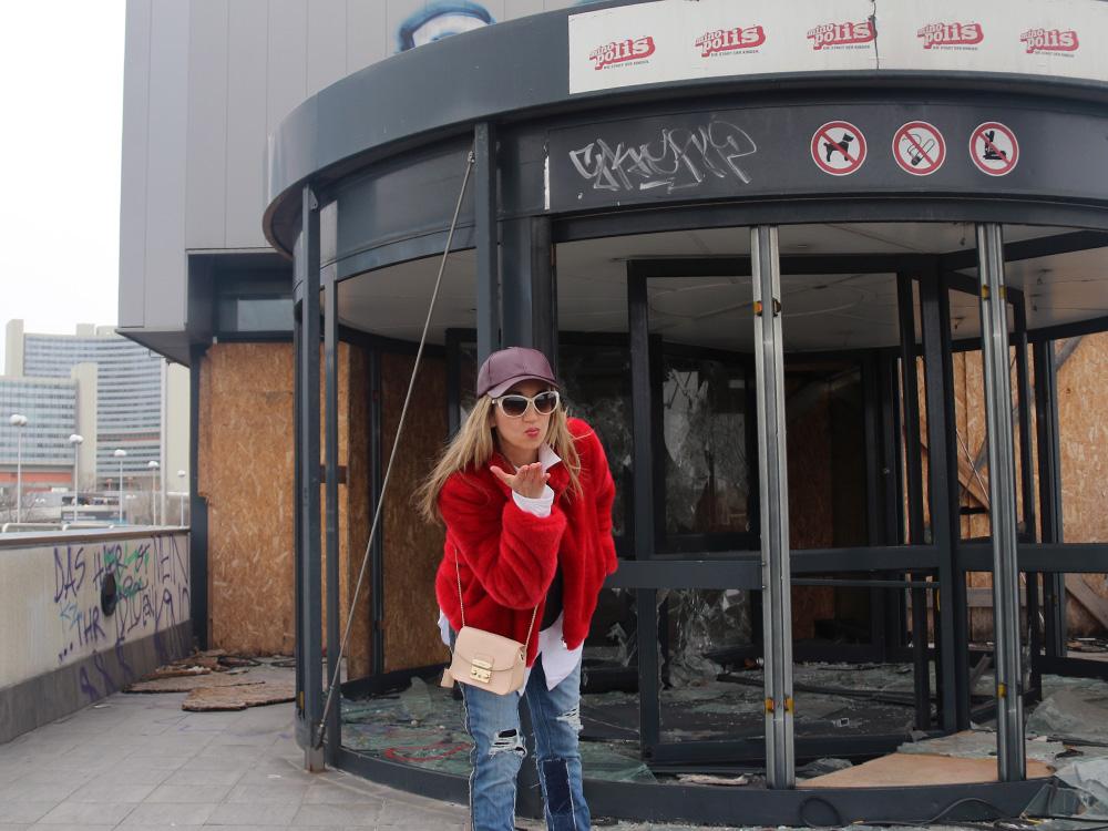 colourclub-zara-red-fake-fur-moskot-sunglasses6