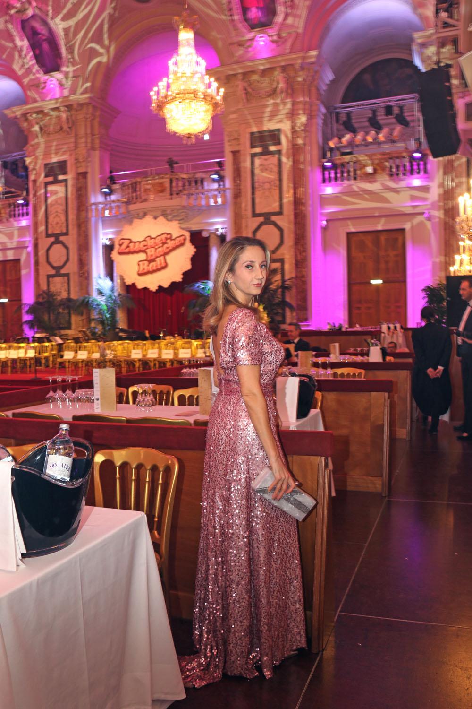 colourclub-zuckerbaeckerball-laskari-laskarivienna-laskaridress-evening-dress