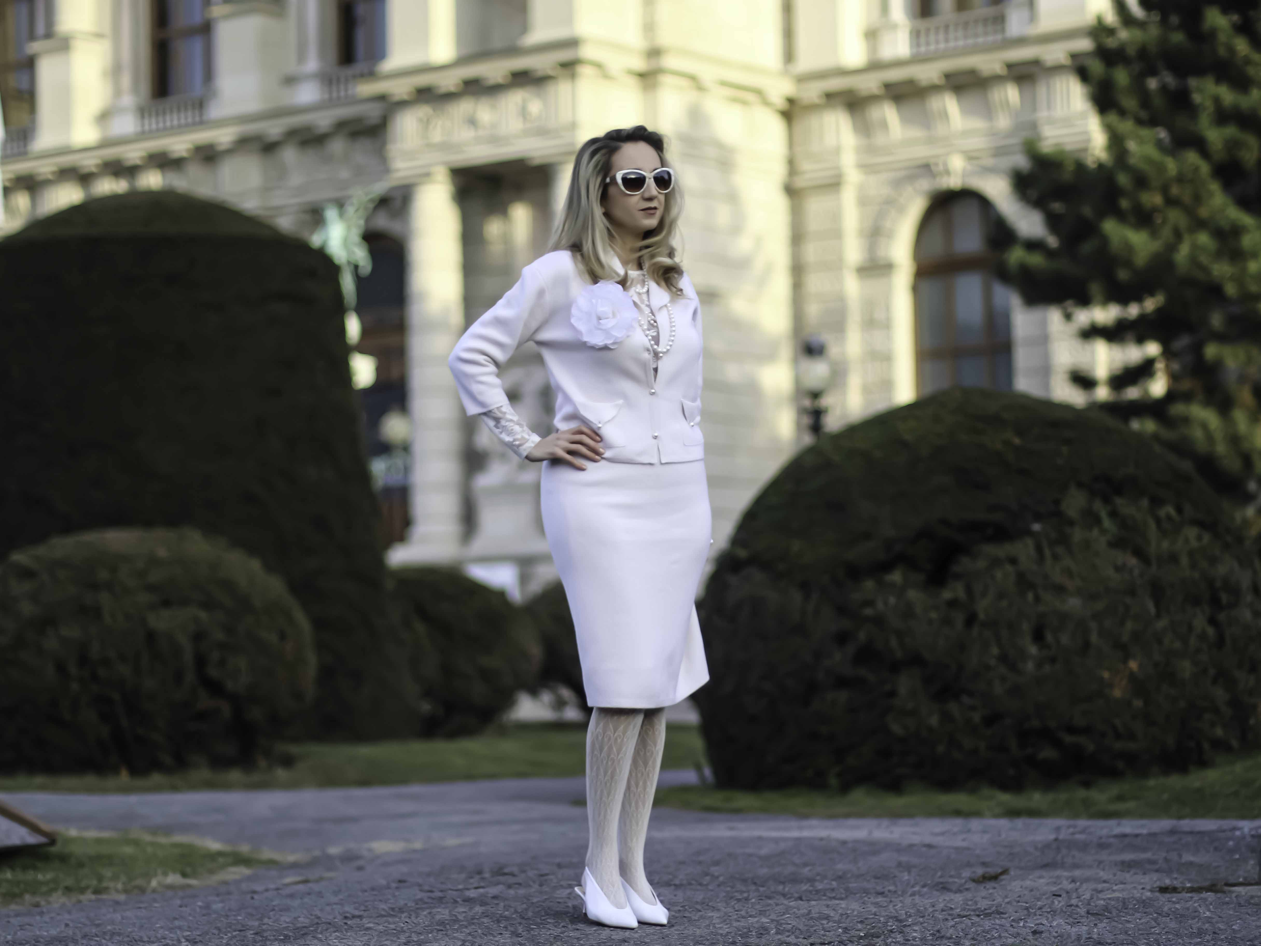 colourclub-fashionblog-vienna-elegant-outfit-cashmere-kitty-montgomery-chanel